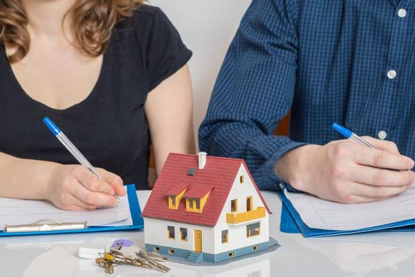 ¿Tiene derecho a pensión una divorciada?